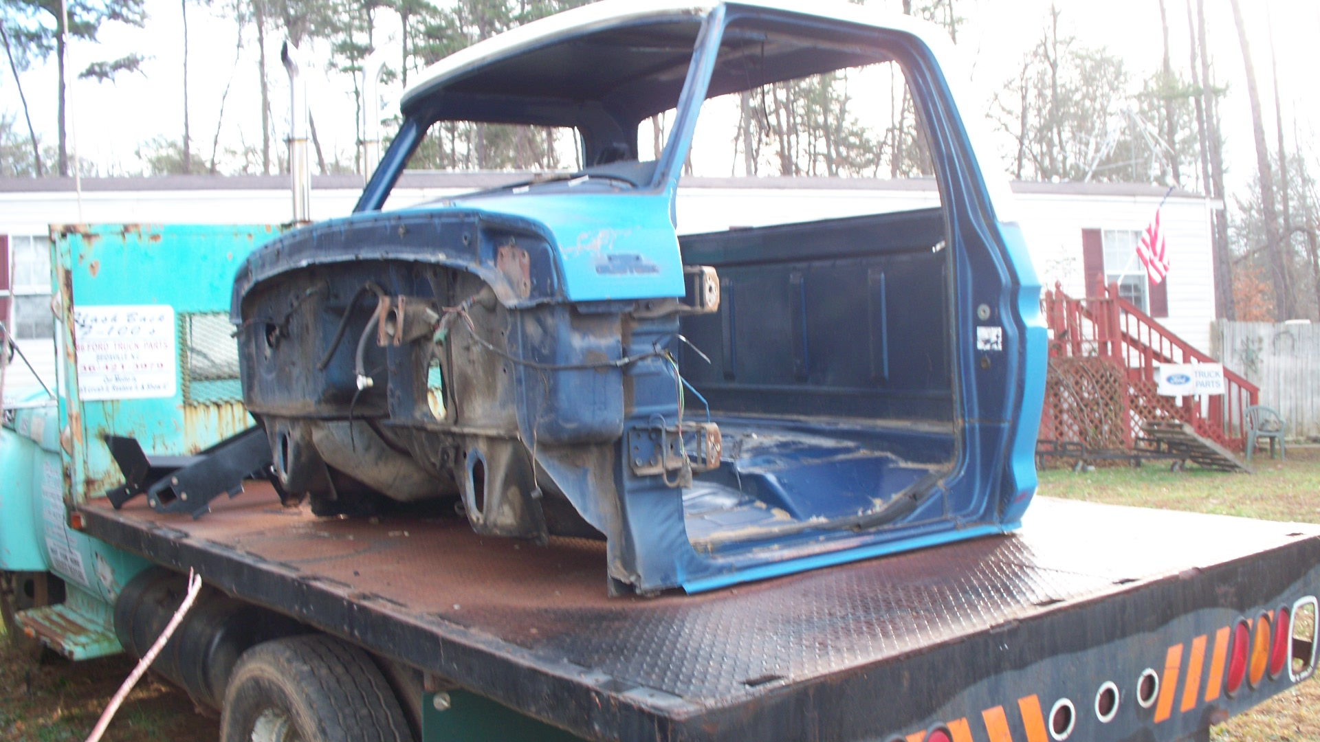 Flashback F100 39 S Salvage Yard Tourthis Page Is A Quick Tour Of Our Salvage Yardsince It S Getting More Muddy And Areas That Cannot Get To Anymore With The Fork Lift We Have